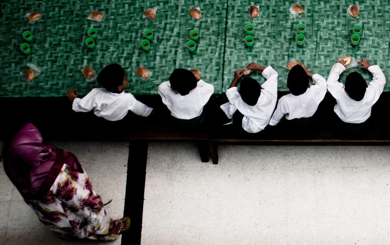 Bambini in una moschea, Kuala Lumpur, 2011.