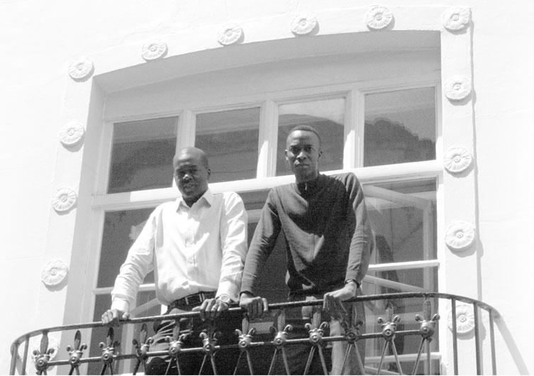 Giles Omezi (a destra) insieme al suo socio Tochukwu Ikeyina, fondatori di Laterite