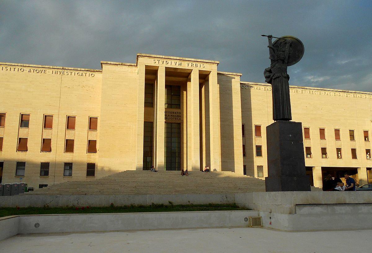 """Sede del Rettorato e dell'Aula Magna dell'Università """"La Sapienza"""", Roma."""
