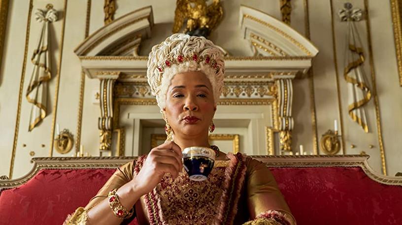 Golda Rosheuvel nel suo ruolo di Queen Charlotte in Bridgerton, serie Netflix