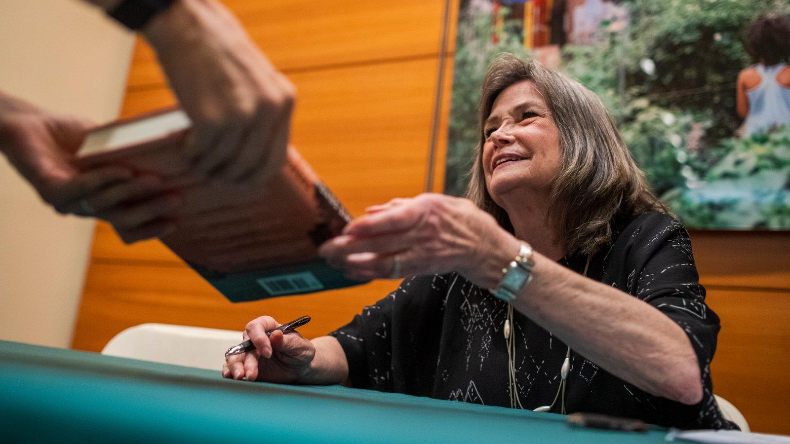 La scrittrice Delia Owens