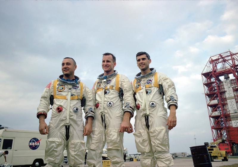 I membri dell'equipaggio dell'Apollo 1. Il 27 gennaio del 1967 perderanno la vita in un'esercitazione.